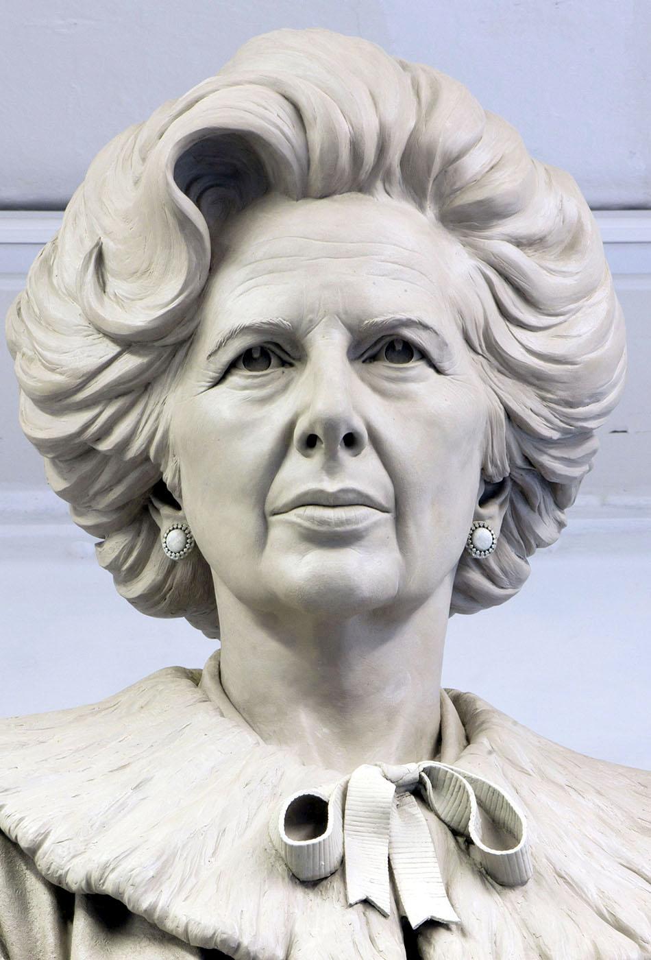 Portrait sculptor Baroness Thatcher