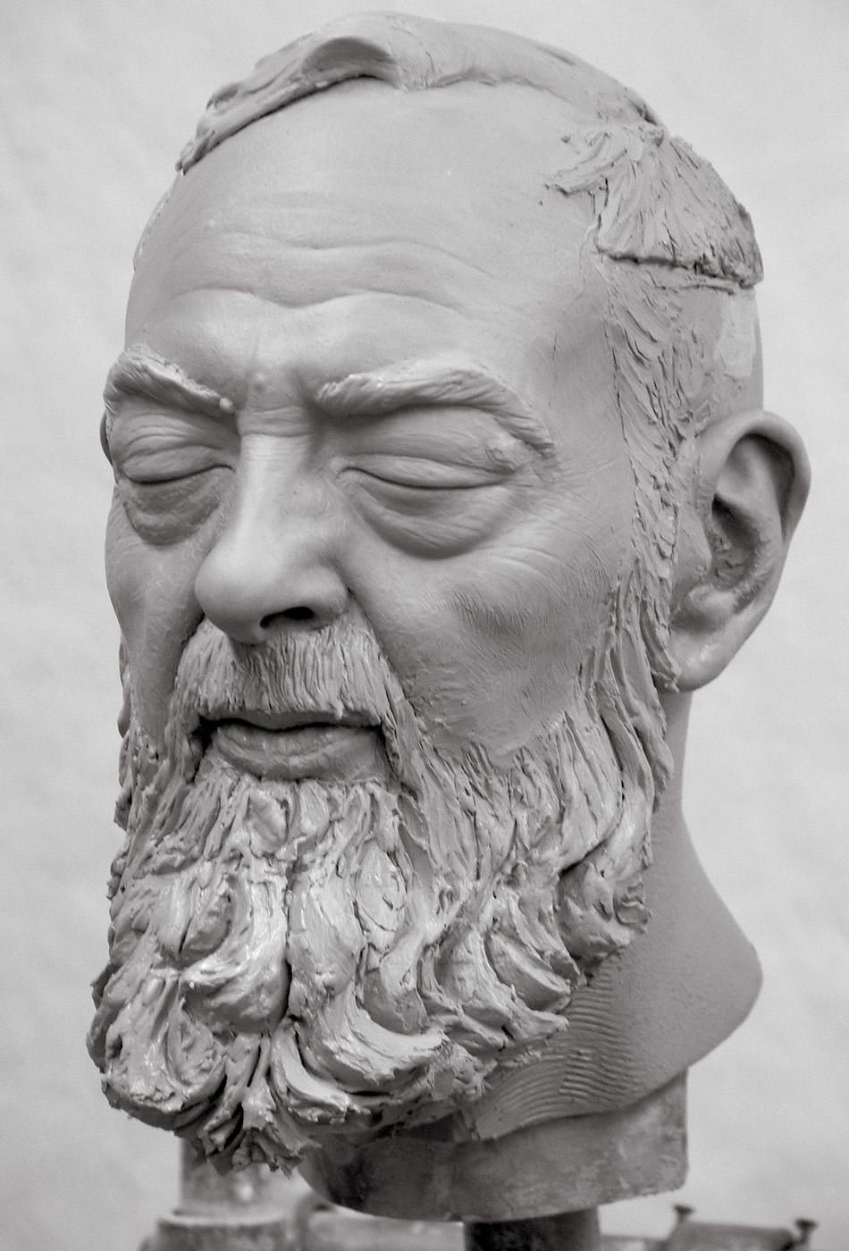 Portrait sculptor Padre Pio